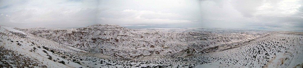 A skiff of snow adds color and contrast to the Wyoming badlands during a winter storm. (Photo by Martin Kidston)