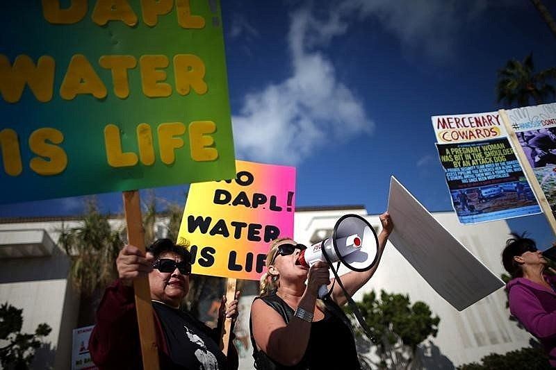 Protesters demonstrate against the Energy Transfer Partners' Dakota Access oil pipeline near the Standing Rock Sioux reservation, in Los Angeles, California, September 13, 2016. REUTERS/Lucy Nicholson