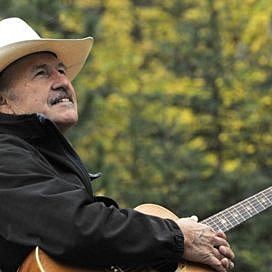 Montana Democrats nominate musician Rob Quist for Congress