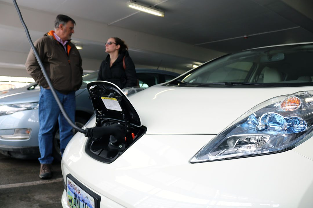 A Nissan LEAF Powers Up At One Of The New Electric Charging Stations  Installed By NorthWestern Energy In Missoulau0027s Downtown Park Place Garage.