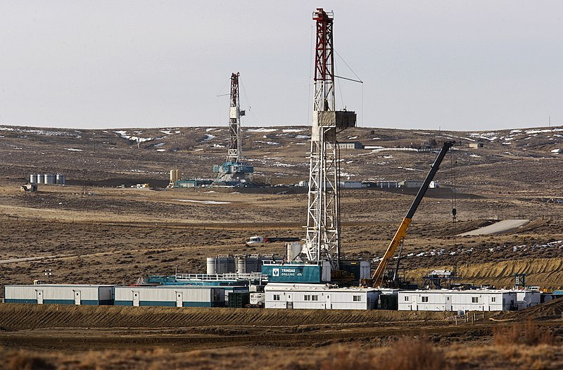 Judge cites climate change in block of Wyoming oil, gas drilling