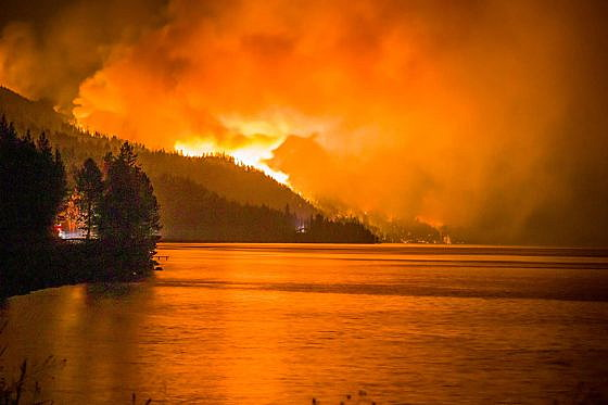 Montana wildfires: 600 people displaced from homes; Boulder 2700 fire top priority